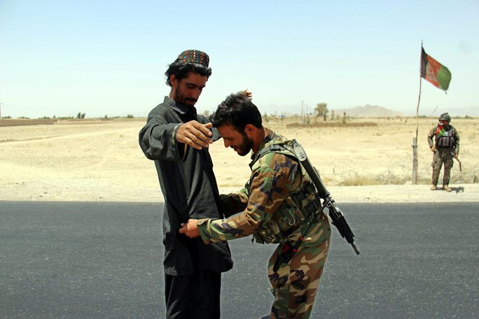 Chiến thuật mới đáng sợ của Taliban ở Afghanistan - Ảnh 1.
