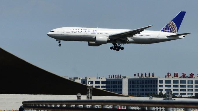Chỉ vì một hành khách, chuyến bay 212 người phải quay đầu - Ảnh 1.