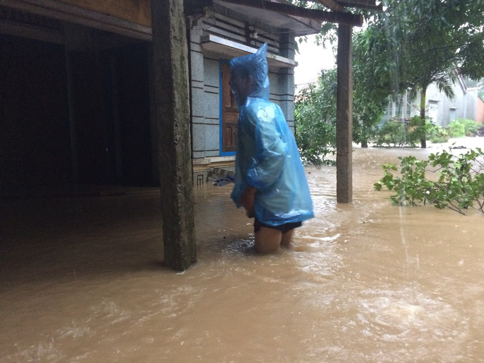 Bão số 12: Phú Yên đề nghị hỗ trợ 300 tấn gạo cứu đói khẩn cấp - Ảnh 1.