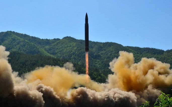 Tên lửa Triều Tiên đe dọa bất cứ địa điểm nào trên thế giới - Ảnh 2.