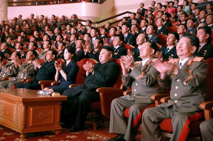 Mỹ muốn bóp nghẹt Triều Tiên hơn nữa - Ảnh 1.