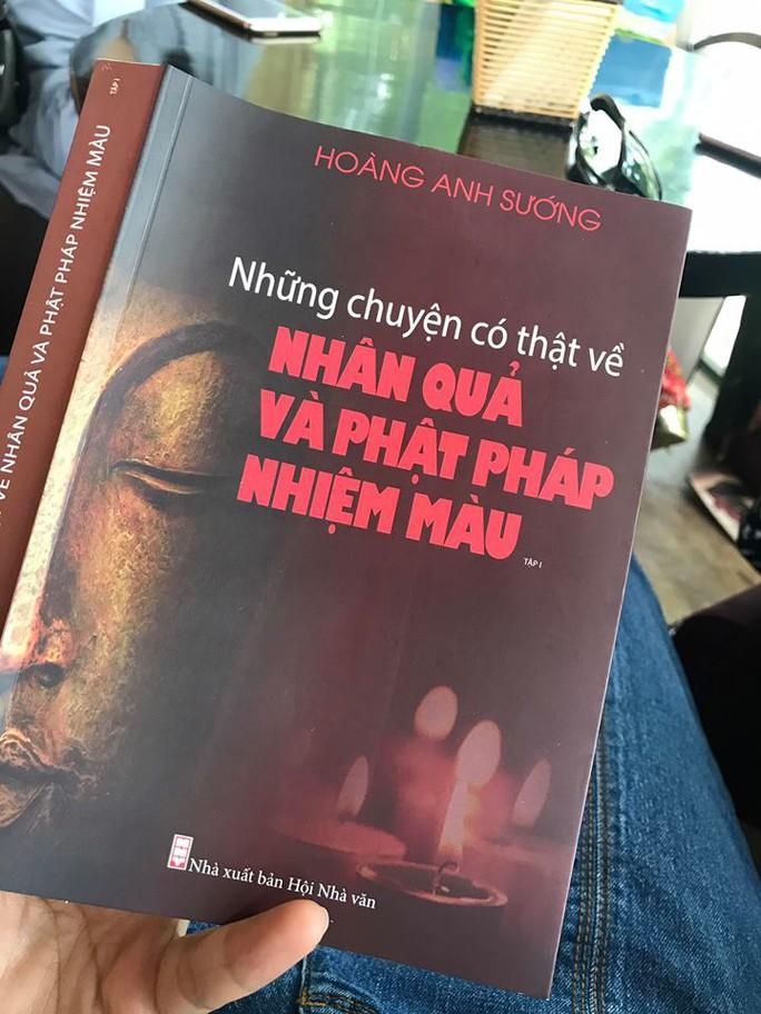 Bất ngờ cuốn sách bìa Phật pháp, ruột dâm ô - Ảnh 1.