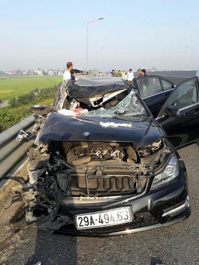 Bắt tài xế xe Mercedes vụ tai nạn 3 người tử vong trên cao tốc - Ảnh 1.