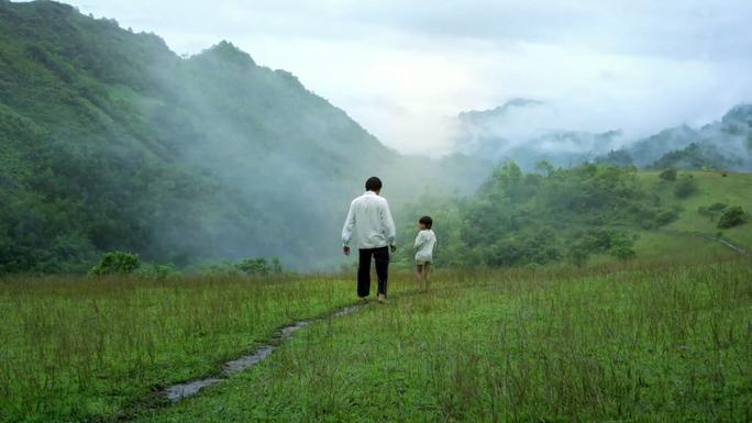 Bộ phim là tâm huyết của đạo diễn Lương Đình Dũng với kinh phí lên đến 18 tỉ đồng