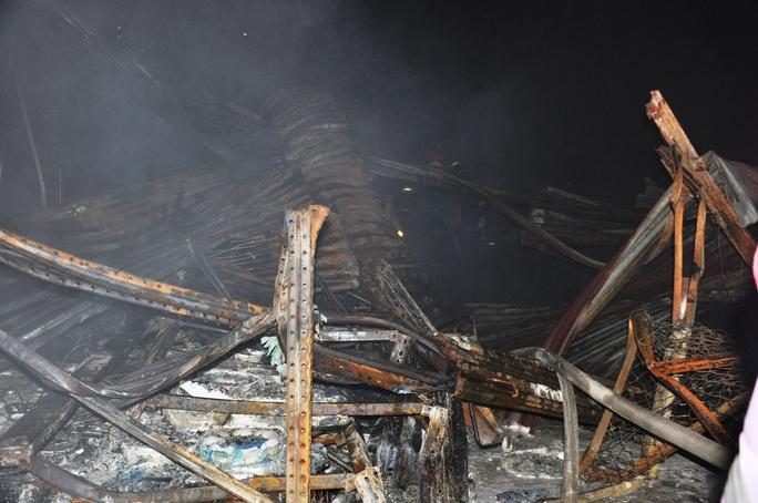 TP HCM: Thông tin mới nhất về vụ cháy kinh hoàng ở quận 4 - Ảnh 4.