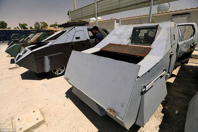 """Iraq: Tham quan """"nghĩa địa"""" xe đánh bom tự sát của IS - Ảnh 3."""