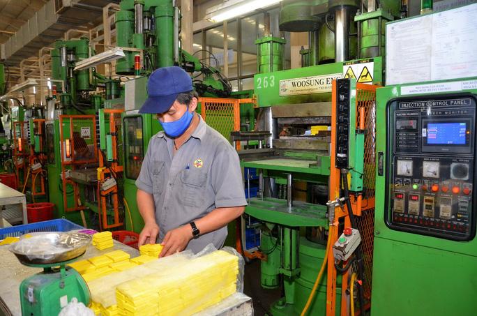 Công nghiệp TP HCM khởi sắc - Ảnh 1.