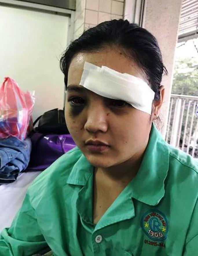 Khởi tố vụ cô gái trẻ bị nhóm côn đồ cắt tai ở quán trà sữa - Ảnh 1.