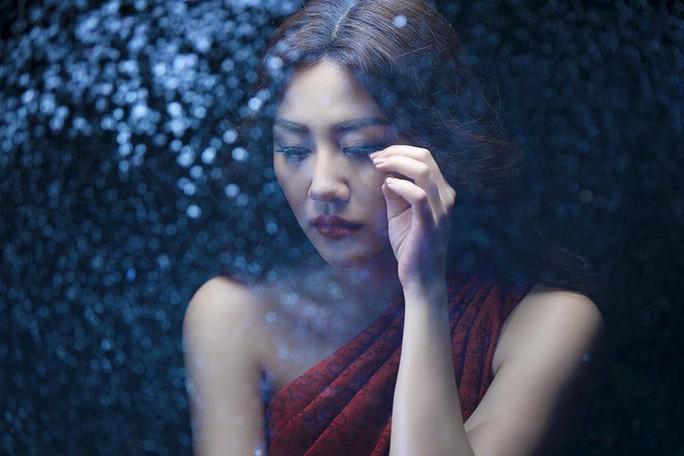Văn Mai Hương: Tôi chưa bao giờ may mắn trong tình yêu... - Ảnh 3.