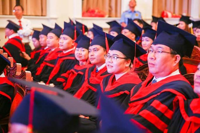 Trường ĐH Kinh tế - Tài chính: 100% sinh viên đạt chuẩn tiếng Anh - Ảnh 1.
