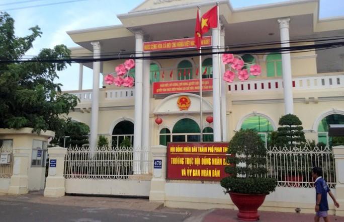 Kỷ luật nhiều lãnh đạo TP Phan Thiết - Ảnh 1.