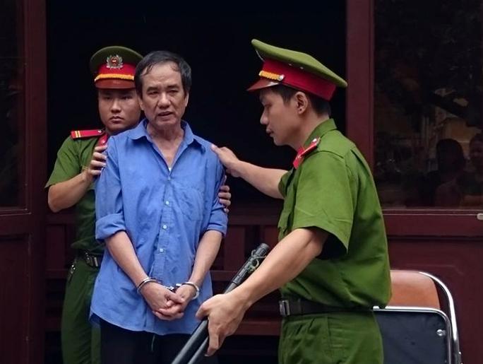 Một bác sĩ quận Tân Bình bán ma túy cho người nghiện - Ảnh 1.