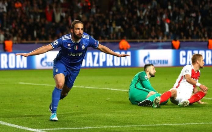 UEFA công bố 10 bàn thắng đẹp nhất Champions League - Ảnh 7.