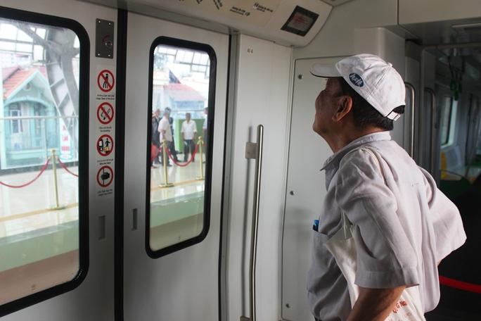 Háo hức mục sở thị tàu đường sắt Cát Linh - Hà Đông - Ảnh 8.
