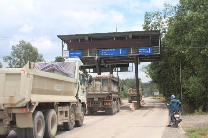 Cận cảnh khu mỏ đá và trạm BOT liên quan phó bí thư Đồng Nai - Ảnh 11.