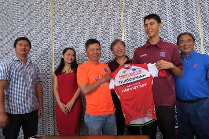 Tay đua Lào gốc Pháp Ariya Phounsavath, HCV SEA Games 2003, chính thức khoác áo VUS TP HCM sáng 8-4