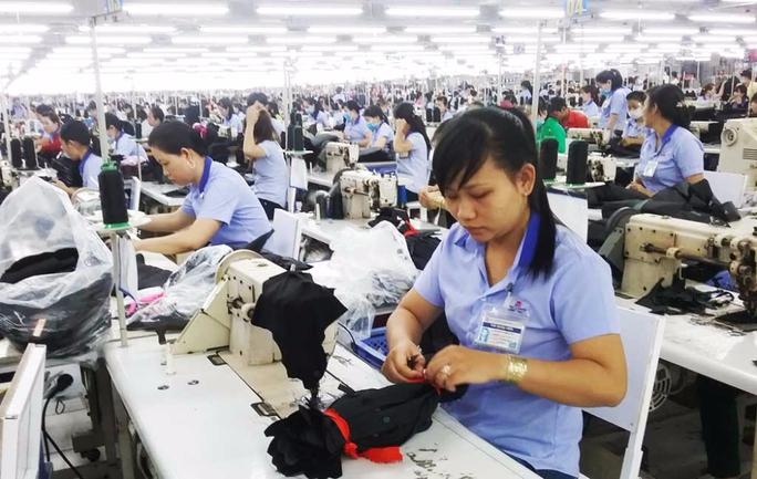 Giảm lương hưu của lao động nữ: Mong Quốc hội hãy lắng nghe! - Ảnh 1.