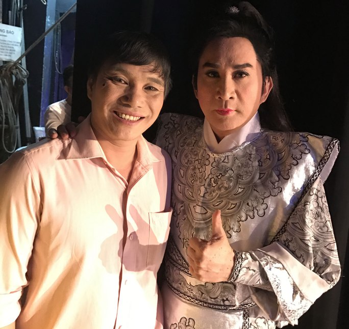 NSƯT Kim Tử Long (bên phải) và học trò Lê Văn Gàn