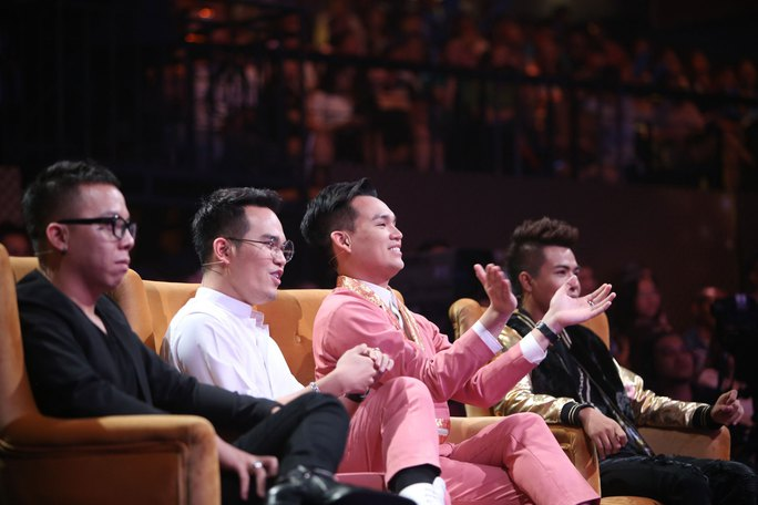 """Những producer âm nhạc trẻ tài năng: Hoàng Touliver, Khắc Hưng, Đỗ Hiếu cùng ngồi """"ghế nóng"""" trong chương trình """"Khởi đầu ước mơ"""""""