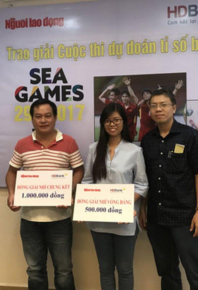 Báo Người Lao Động trao giải Dự đoán kết quả bóng đá SEA Games 29 - Ảnh 1.