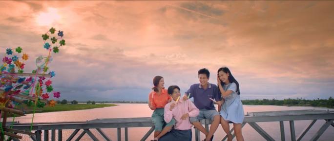 Phim Việt ăn điểm ở cảnh đẹp, nhạc hay - Ảnh 1.