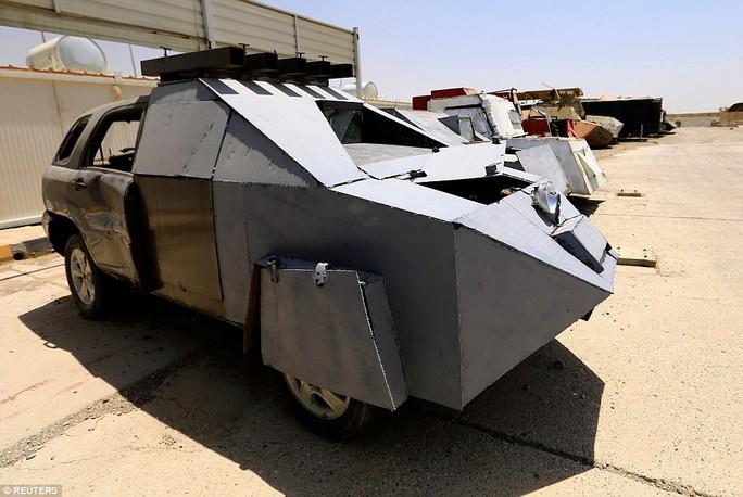 """Iraq: Tham quan """"nghĩa địa"""" xe đánh bom tự sát của IS - Ảnh 8."""