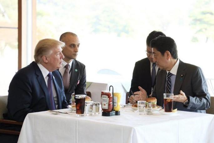 Philippines: Thủ tướng Canada gây náo loạn khi mua gà rán - Ảnh 15.