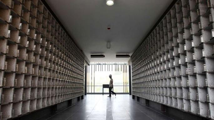 Một nơi đặt bình tro cốt ở Hồng Kông Ảnh: SCMP