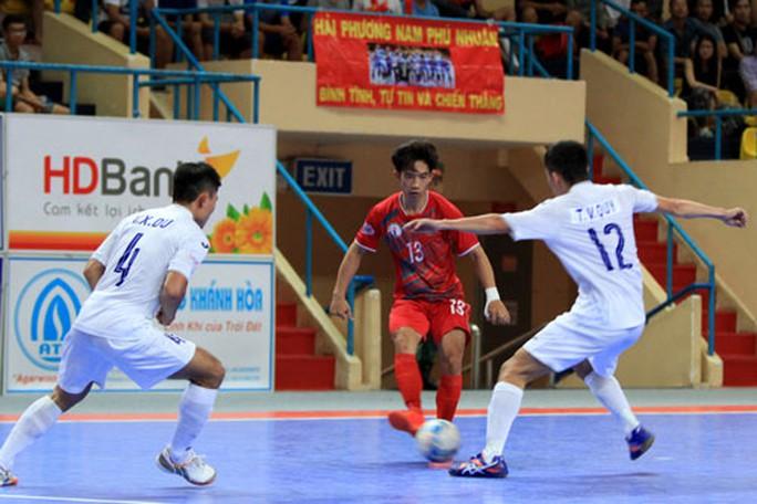 Nóng bỏng chung kết sớm futsal - Ảnh 1.