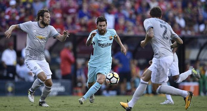 Barcelona - M.U 1-0: Mourinho chưa thể hóa giải Messi - Ảnh 1.