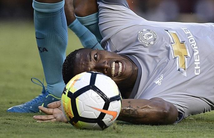 Barcelona - M.U 1-0: Mourinho chưa thể hóa giải Messi - Ảnh 4.