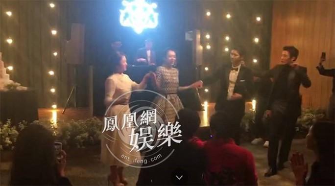 Song Hye Kyo và Song Joong Ki khoe ảnh cưới - Ảnh 9.