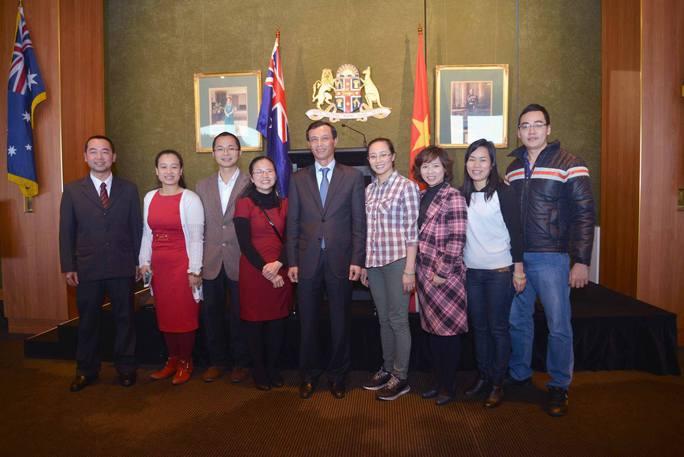 Đại sứ Lương Thanh Nghị gặp gỡ đại diện sinh viên Việt Nam tại Sydney
