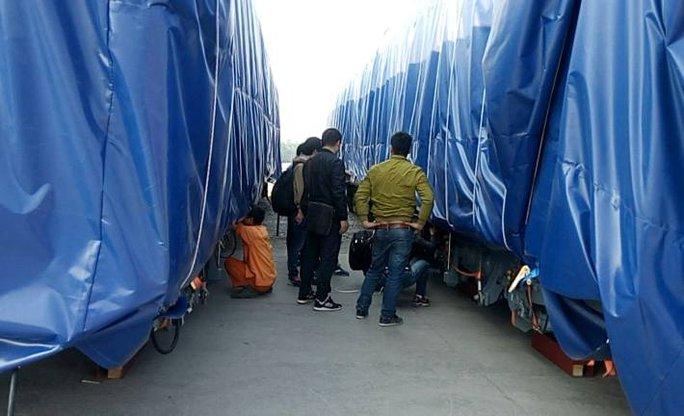 Lô hàng tàu Cát Linh-Hà Đông đầu tiên bọc kín về Hải Phòng