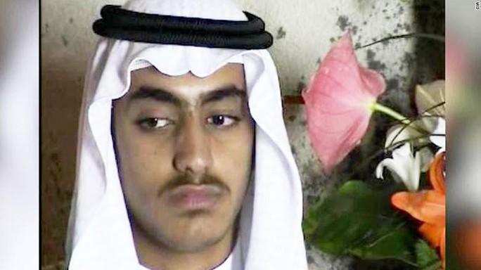 Hình ảnh hiếm hoi của con trai bin Laden ngày cưới vợ - Ảnh 1.