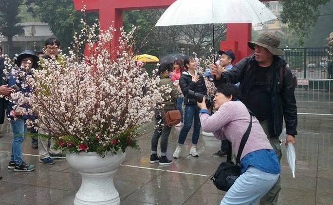 Che ô cho bạn chụp ảnh