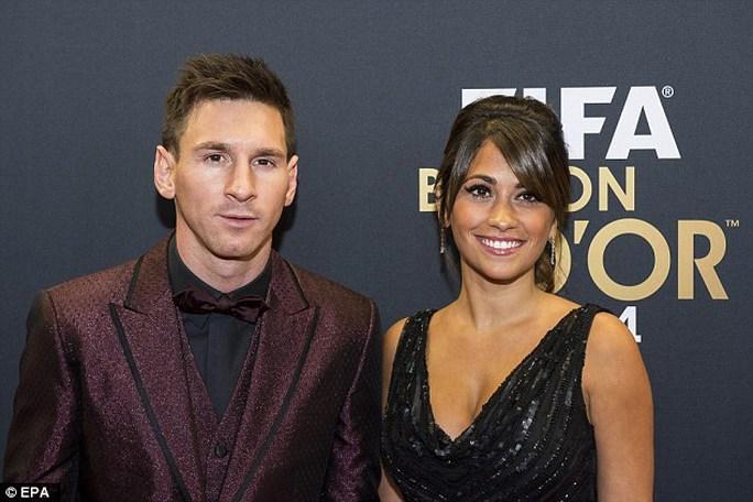 Messi được cho là sẽ cưới Antonella Roccuzzo vào mùa hè này