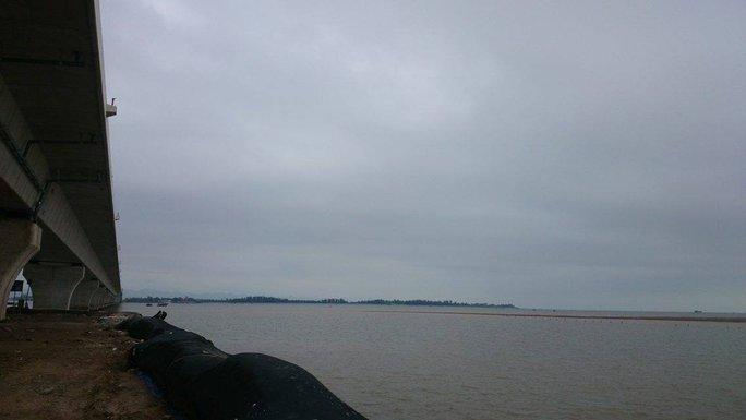 Cây cầu vượt biển dài nhất Việt Nam sắp hoàn thiện