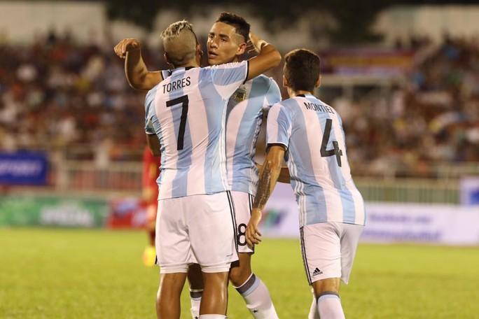U20 Việt Nam - Argentina 1-4: Đức Chinh ghi bàn danh dự - Ảnh 1.