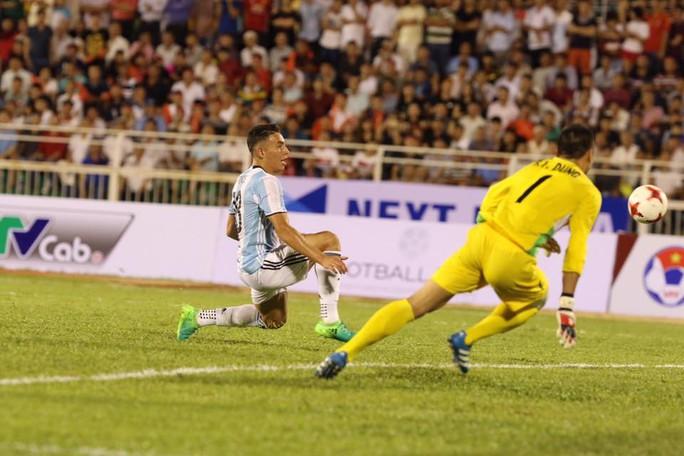 U20 Việt Nam - Argentina 1-4: Đức Chinh ghi bàn danh dự - Ảnh 2.