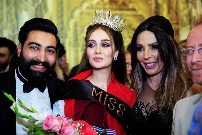 Tân Hoa hậu Iraq mất vương miện vì từng kết hôn - Ảnh 2.