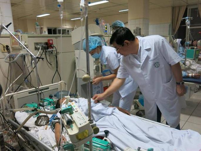 Khởi tố vụ 7 bệnh nhân chạy thận nhân tạo tử vong - Ảnh 2.