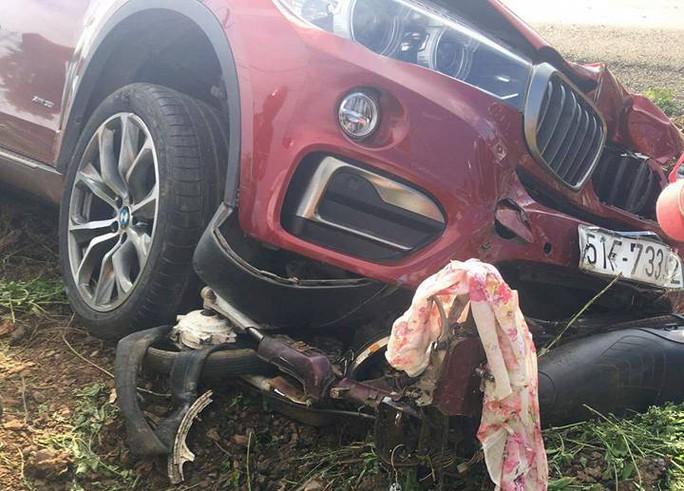 BMW tông xe máy, 1 người tử vong - Ảnh 2.