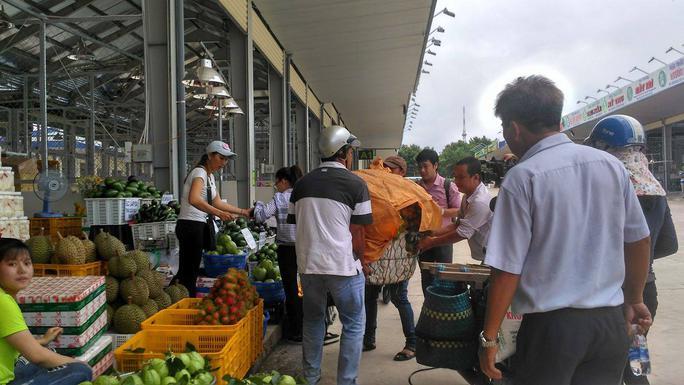 Chợ đầu mối nông sản lớn nhất Đồng Nai đi vào hoạt động - Ảnh 2.