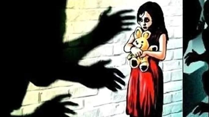 Ấn Độ: Bé gái 10 tuổi bị cưỡng hiếp buộc phải sinh con - Ảnh 1.