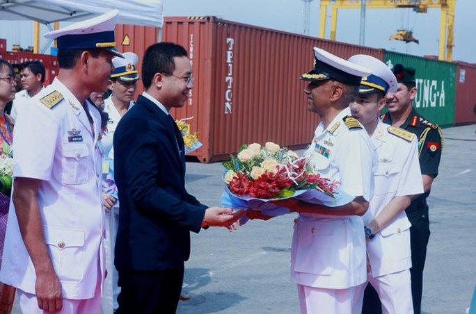 Tàu Hải quân Ấn Độ thăm thành phố Hải Phòng - Ảnh 2.