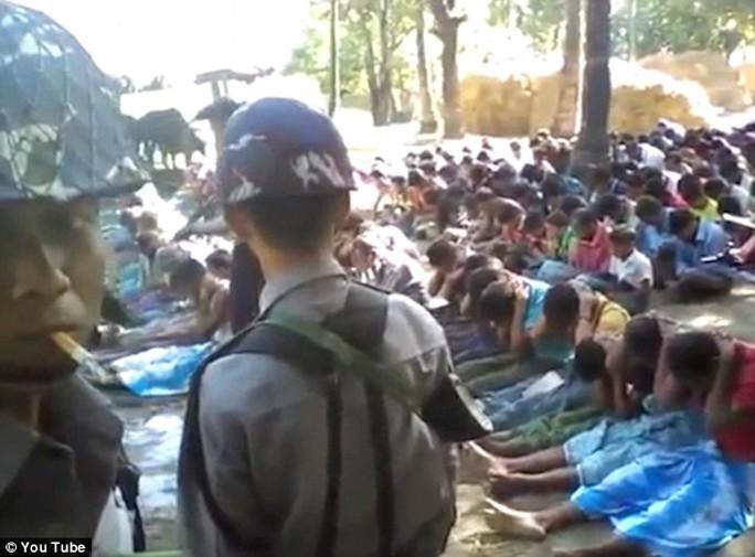 Phần đông dân số Myanmar theo đạo Phật nên tộc người Rohingya thường xuyên bị kỳ thị. Ảnh: YOUTUBE