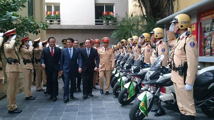 CSGT Hà Nội làm lễ ra quân đảm bảo an toàn giao thông mùa lễ hội - Ảnh: D. H.
