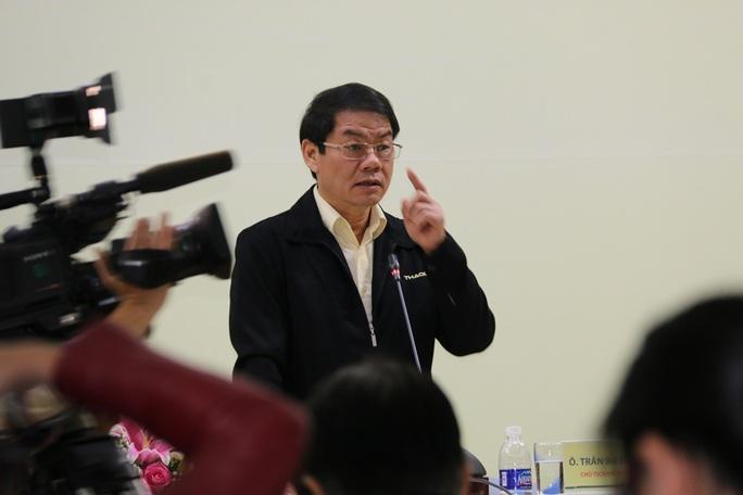 Ông Trần Bá Dương, Chủ tịch HĐQT Thaco phát biểu tại buổi họp báo