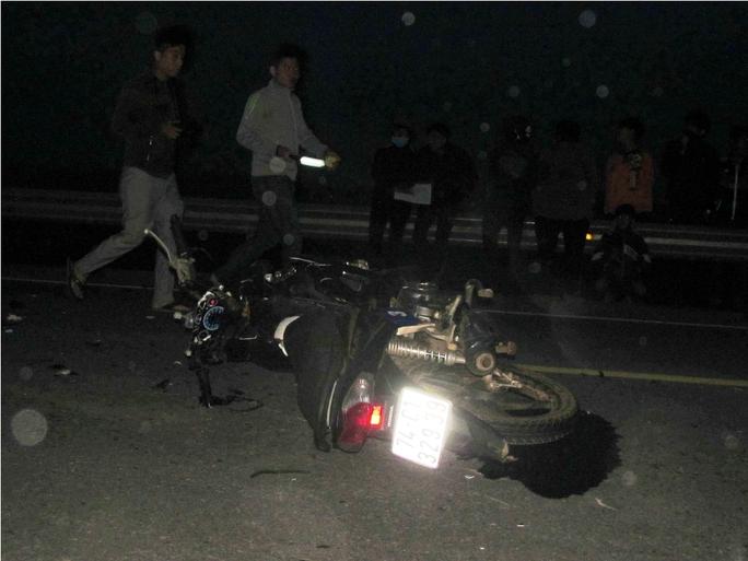 Hiện trường vụ tai nạn giữa 2 xe máy